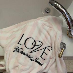NWT - victoria's secret pink striped robe - xs/s